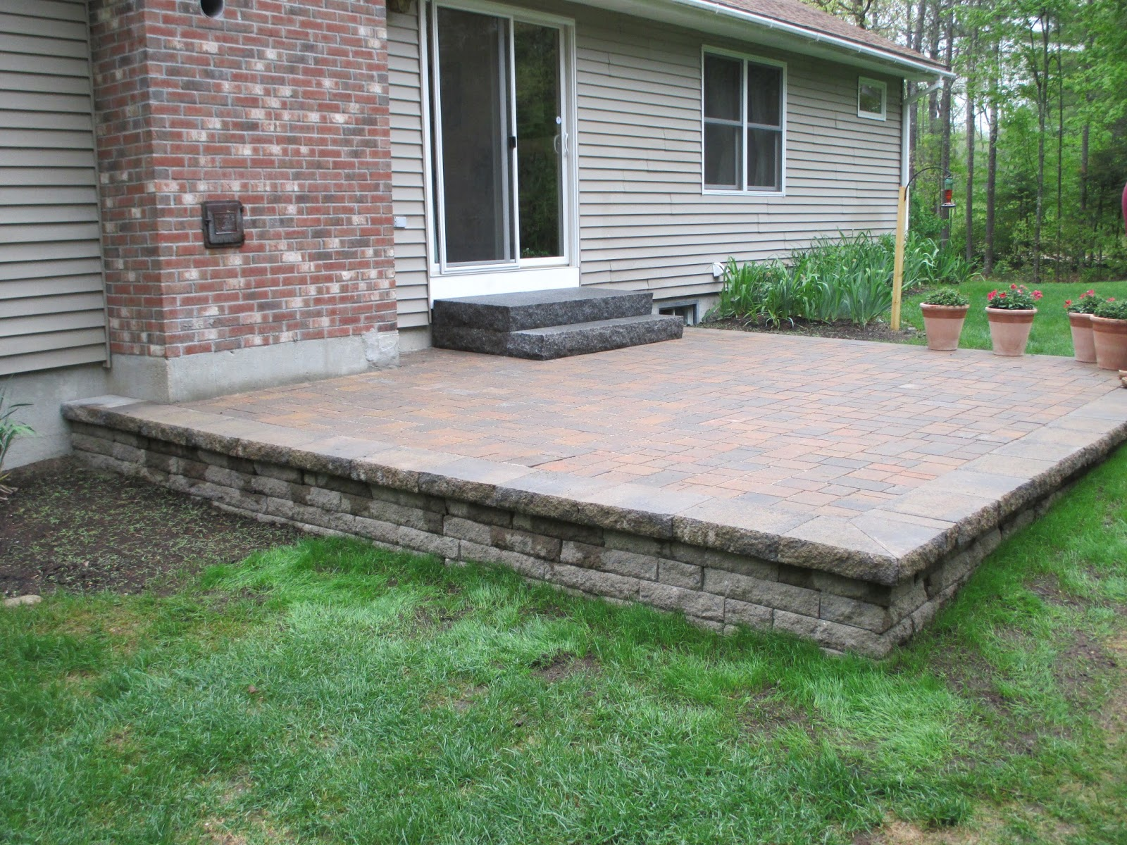 Raised Paver Patios Designed and Installed in Meredith New H&shireu0027s Lakes Region. Raised Patios are great for yards that are uneven Natures Elite ... & Natures Elite Landscaping: Raised Paver Patios Meredith New Hampshire