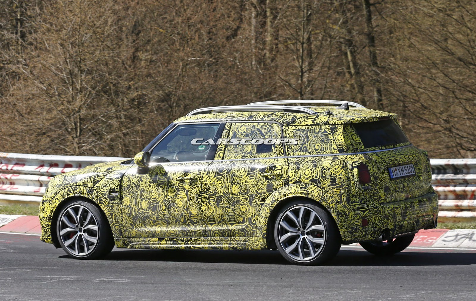 new mini countryman puts its foot down with hotter jcw model carscoops. Black Bedroom Furniture Sets. Home Design Ideas