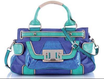 0c31bd56f8 Tra i vari modelli lanciati troviamo borse sportive, altre eleganti per le  occasioni più glamour. Le Borse Guess sono comode e funzionali, da  indossare a ...