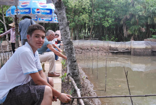 Grab fishing in Eco tour to Can Gio