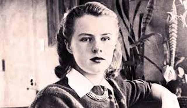 Paula Welden yang merupakan seorang siswa berusia 18 tahun yang baru saja memulai hiking dan menemukan gunung pada tahun 1946. Welden terlihat sedang dalam perjalanan oleh beberapa orang, termasuk seorang pengendara yang menawarinya tumpangan dan pejalan kaki yang memberi peringatan bahwa pakaiannya tidak cukup hangat untuk pergi hiking ke pegunungan. Jubah merah Welden membuatnya mudah dikenali. Namun, para pencari dibuat bingung karena tidak menemukan jejak dari pakaian yang berwarna cerah.  Dan Welden tidak pernah ditemukan.