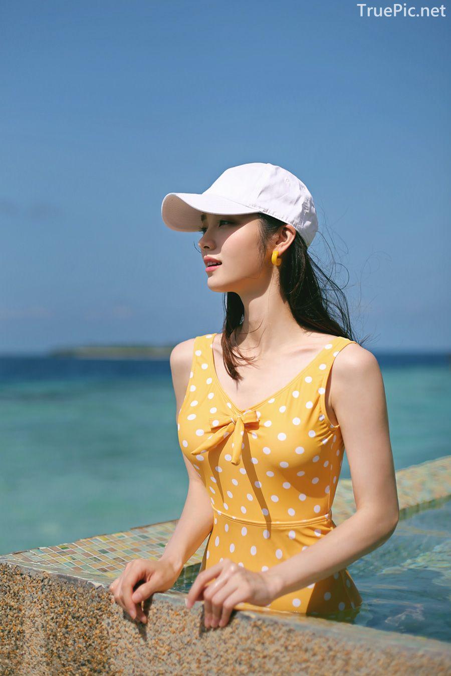 Korean fashion model Jeong Hee - Everyone once a monokini - Picture 3