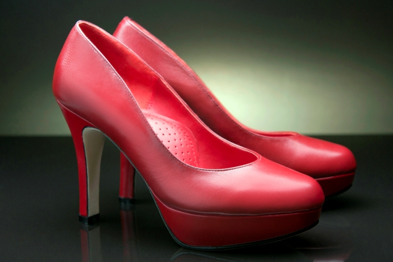 """563a758210b284 """"A fine, smart, comfortable pair of shoes ties up the entire look, lends  the wearer good gait, helps highlight one's assets and keep one's mind in  focus."""