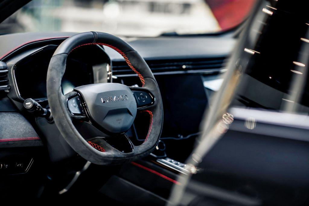 Lynk & Co 05 có thêm phiên bản Limited Edition, nội thất như xe sang