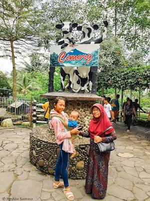 Berpose di  Cimory On The Valley Semarang
