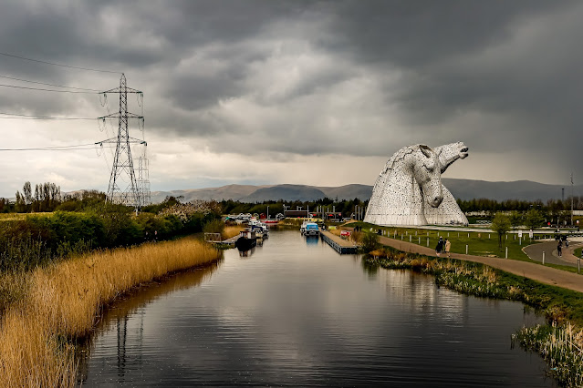 The Kelpies as a storm is coming, A turbulent and troublesome week, mandy charlton, photographer, writer, blogger