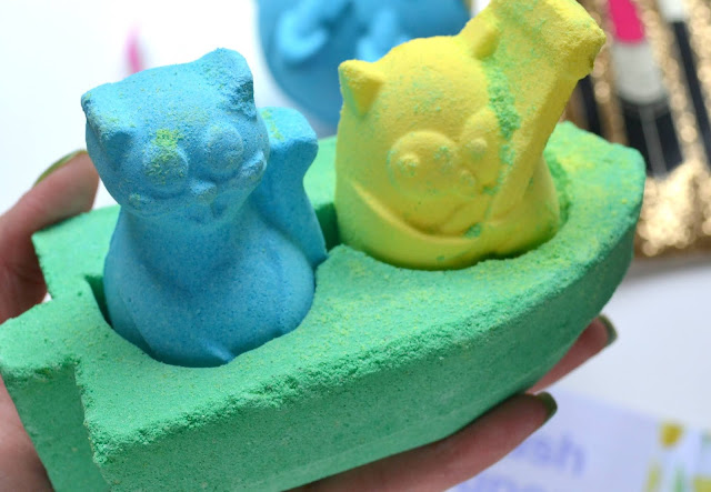 closeup of Lush Owl and the Pussycat Bath Bomb