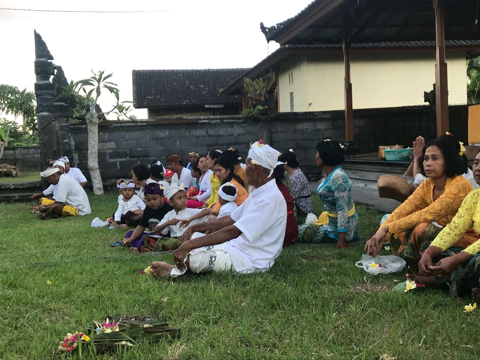 Mantram Sembahyang Agama Hindu Sehari-hari - SEO, Berita ...
