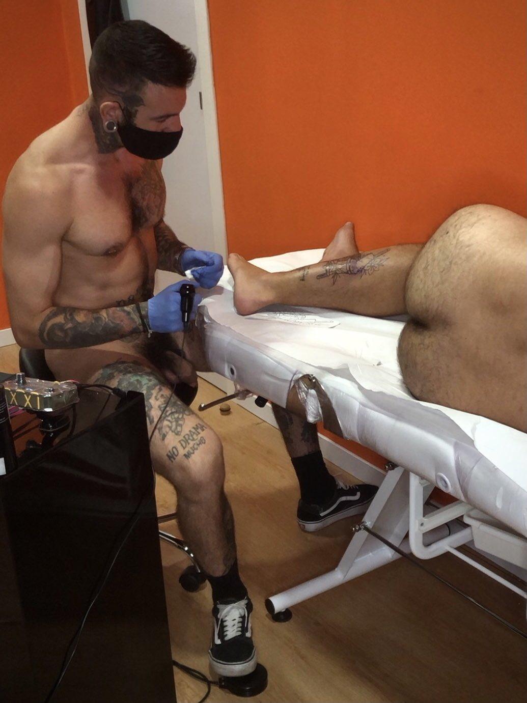 La verga del tatuador