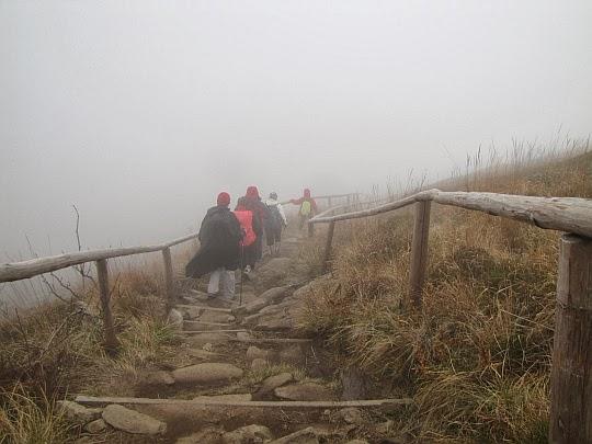 Zejście na Srebrzystą Przełęcz.