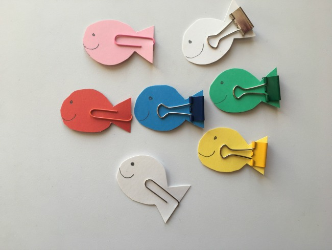 5-minute-games-for-toddlers-fishing-fish-cut-out-and-clips-put-on