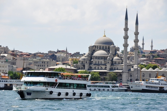 bosphorus Cruise umroh plus Turki