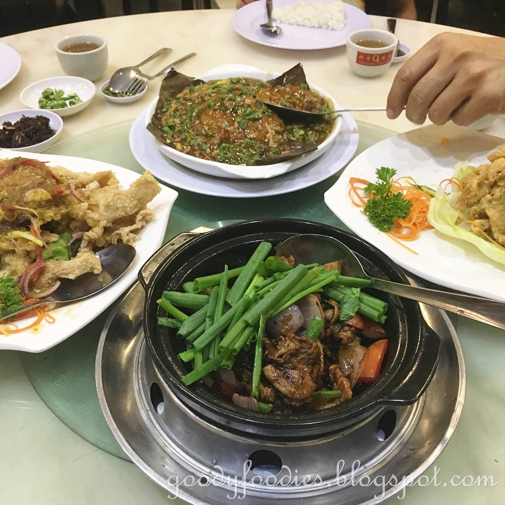 Goodyfoodies restoran xian cantonese cuisine cheras kl my favorite dish here is the squid with salted egg yolk rm21 crispy and tender at the same time with that sinful salted egg coating a must try here forumfinder Images