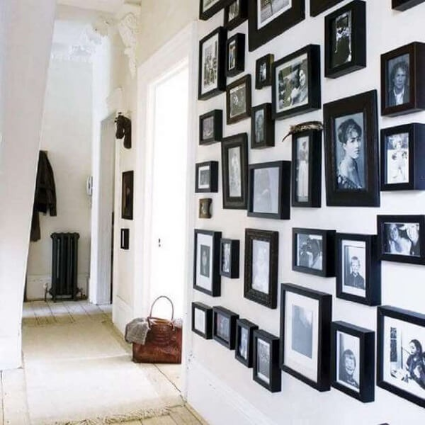 Photo frame with black frame