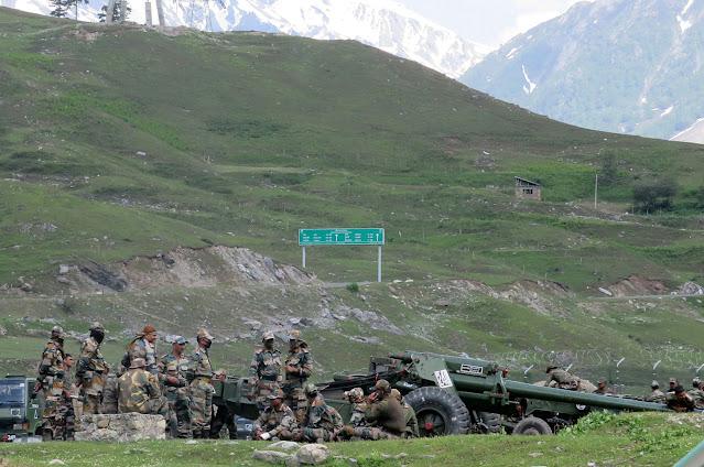 Militer India menempatkan sejumlah artileri diperbatasan Landakh