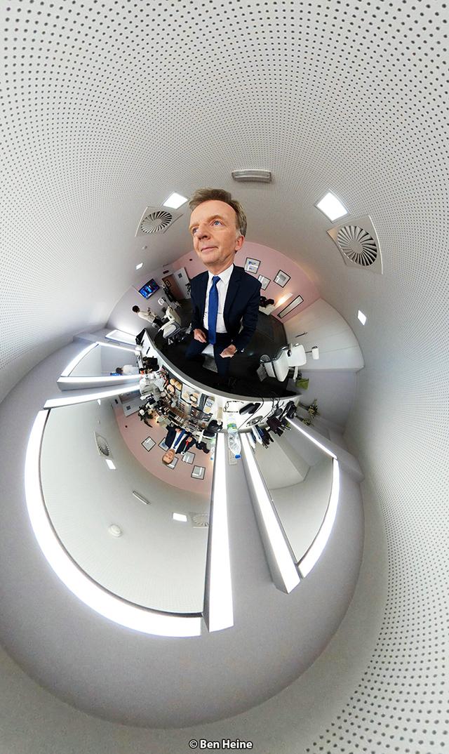 François de Brigode - Présentateur journal RTBF et Photographe - Portrait par Ben Heine 2017 - Samsung gear 360