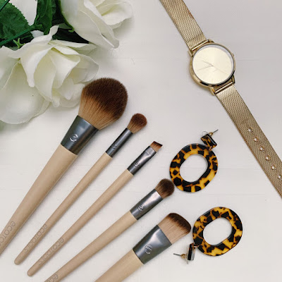 What's in my Makeup Collection- Favorite Makeup Products- EcoTools makeup brushes