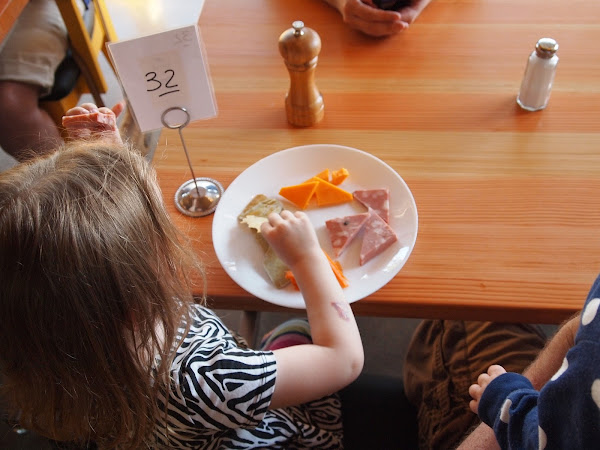 11 Kids Eat Free (or Cheap) Restaurants Across the US