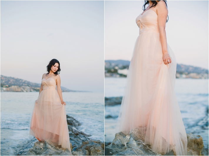 Gorgeous beach engagement session by Closer to Love Photography
