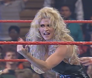 WWE / WWF In Your House 20: No Way Out of Texas - Sable challenges Luna to a fight