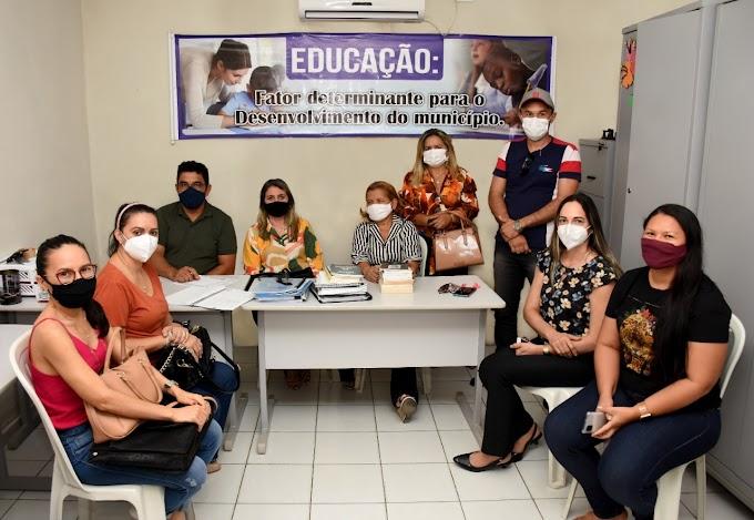 Governo Municipal discute implantação do Programa Saúde na Escola