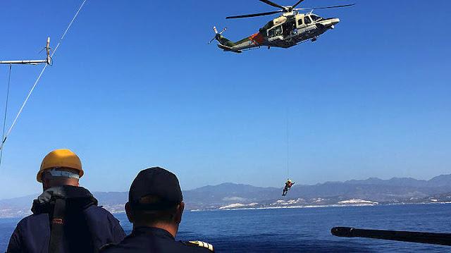 Επιχείρηση μεταφοράς ναυτικού με ελικόπτερο της Πολεμικής Αεροπορίας νότια των Κυθήρων