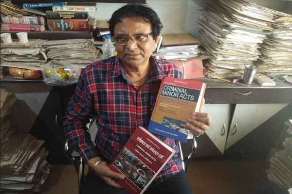 advocate-ln-parashar-will-distribute-legal-books-for-young-advocates