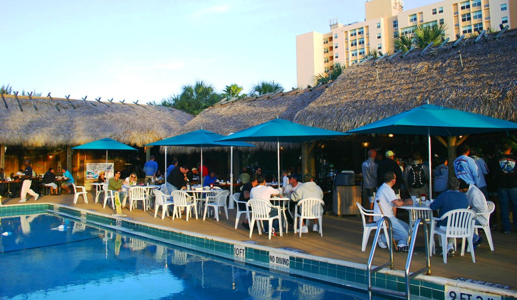 Restaurante Monty's Raw Bar em Miami Beach