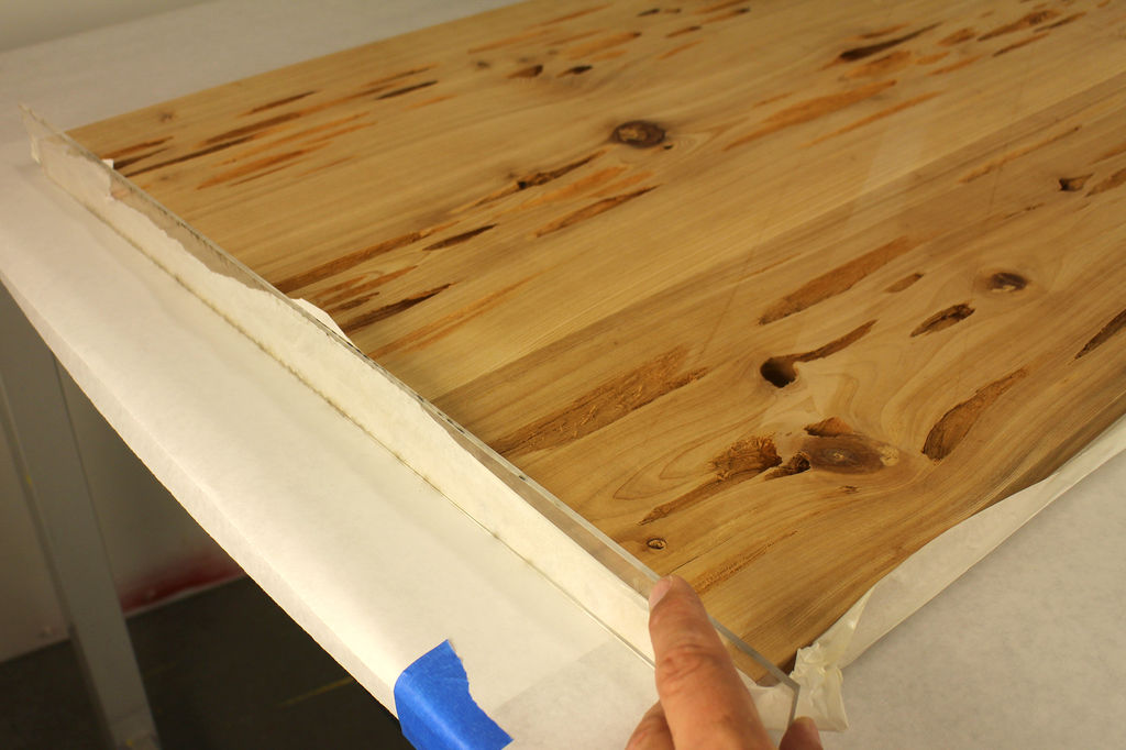 Men 39 s corner diy crafts how to make cypress glow in for Table za stolove