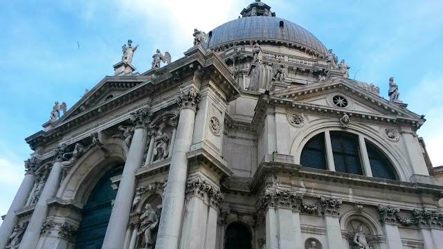 italy, italija, venice, venecija, trip, journey, europe, travel, traveling, izlet, potočki promet, put, putovanje, boat,  couple, par, advent u veneciji, advent in venice,  romantic trip, bazilika