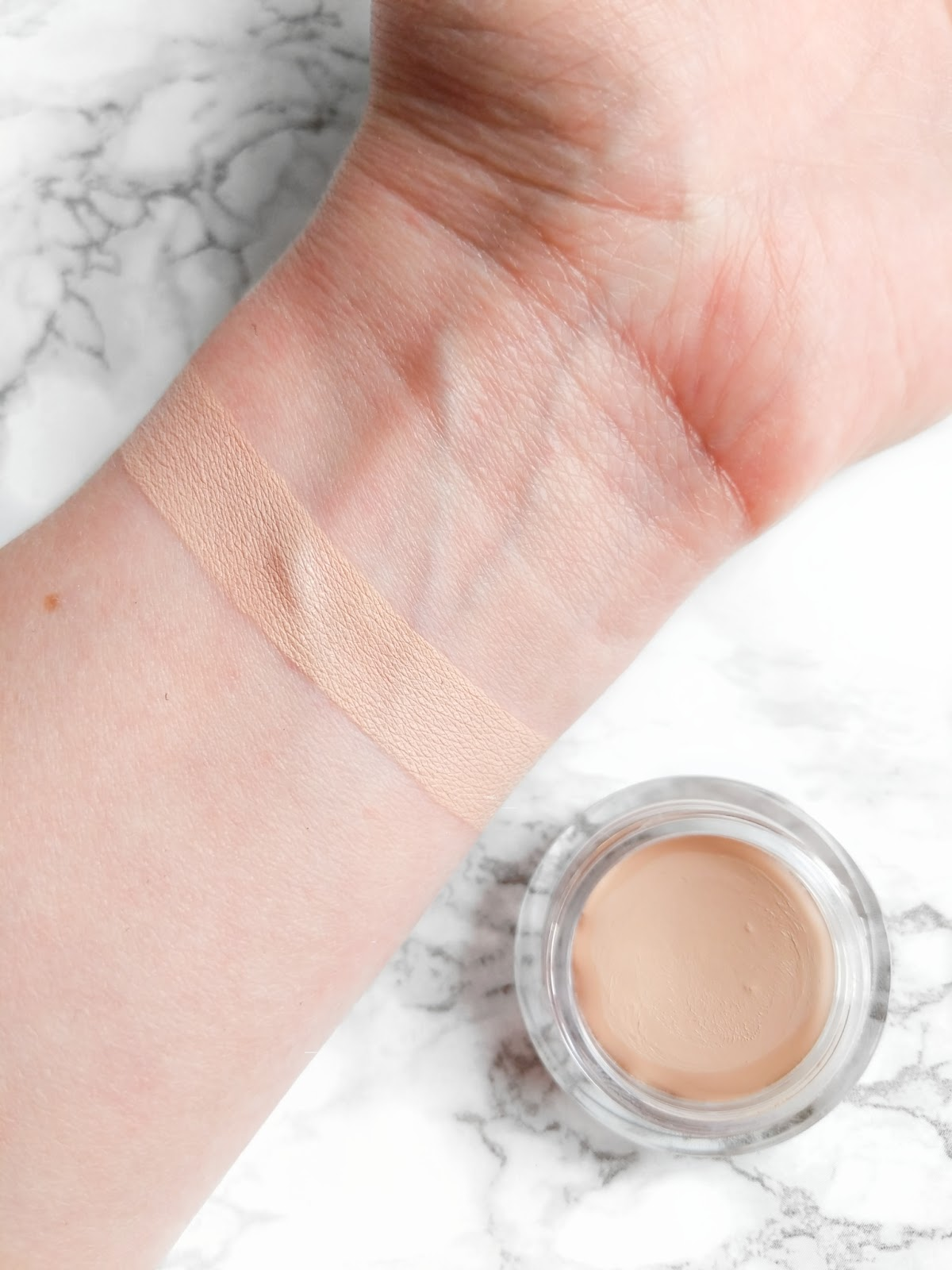 Image of Trinny London Just A Touch Foundation Concealer Swatch in Bambi