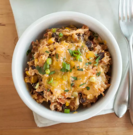 Slow-Cooker Chicken Burrito Bowls #bowls #healthydinner