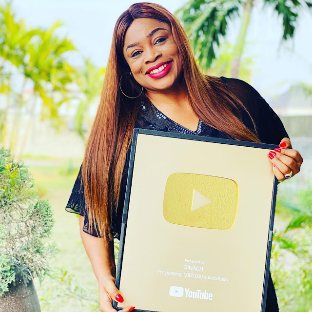 YouTube Awards Sinach Gold Plaque For Surpassing1 Million Subscribers