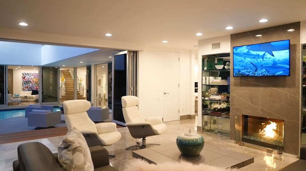 61 Photos vs. Tour 1250 Angelo Dr, Beverly Hills, CA Ultra Luxury Home Interior Design