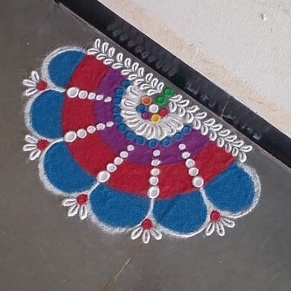 Flowers_with_small_leaves_rangoli_design