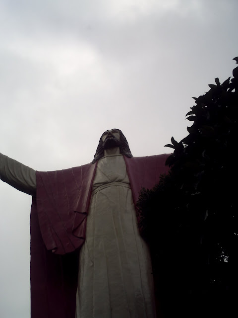 Image of resurrected Christ at Kamay ni Hesus Shrine