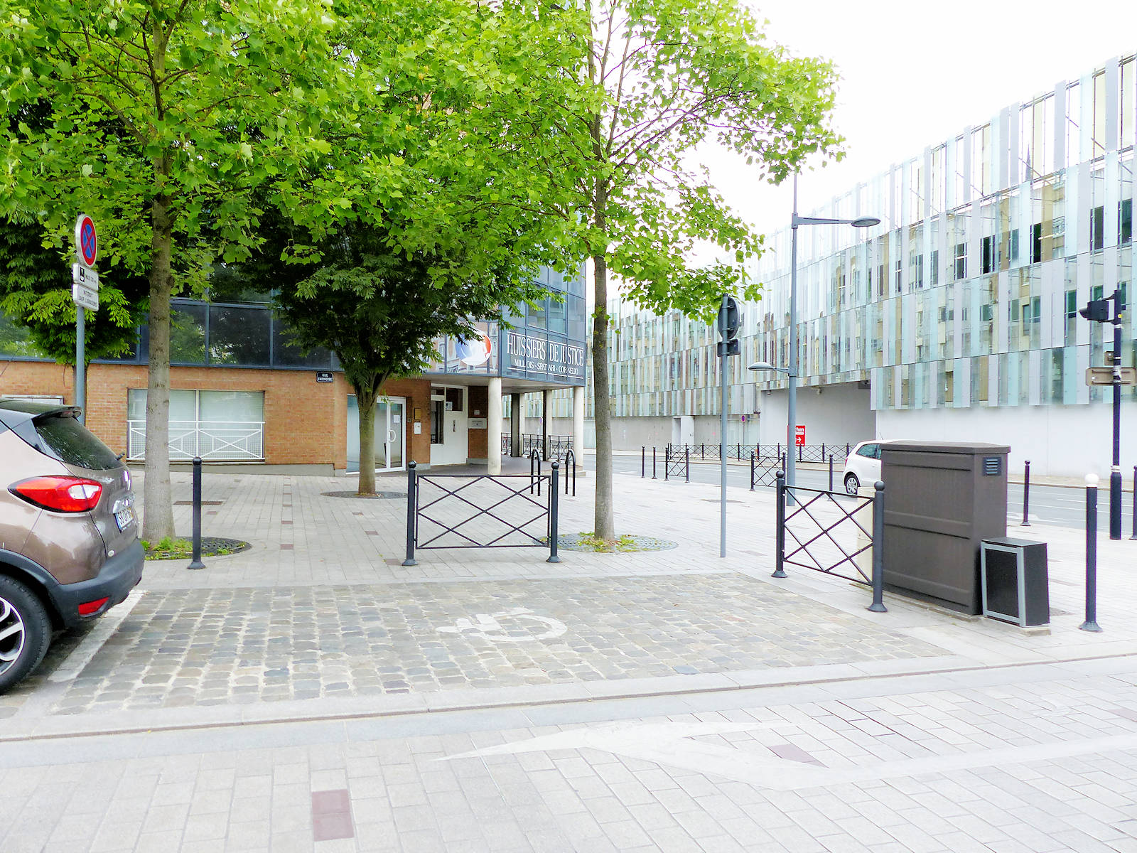 Stationnement Handicapés - Huissier Millois, Tourcoing