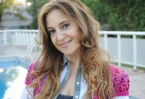 https://soundcloud.com/afro-la90-tardedecl-sicos/entrevista-con-adriana