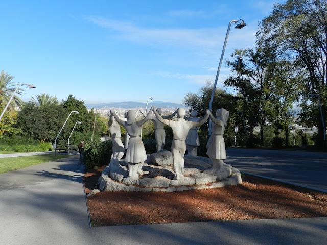 Mirador del Alcalde Monument a la Sardana - Barcelona
