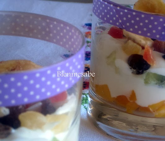 vasitos de yogurt y frutas 2