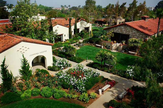 As a premier hotel in La Jolla, CA, Estancia La Jolla Hotel and Spa offers luxury accommodations, restaurant dining, event facilities and more.