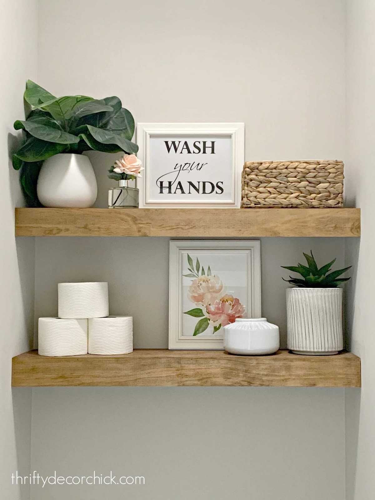 Decorating shelves in bathroom
