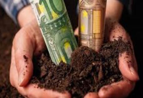 Ψεύτικες υποσχέσεις τα 7.000 ευρώ για τους πληγέντες από τον κορωνοϊό αγρότες