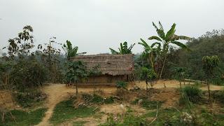 আদিবাসীদের ঘর