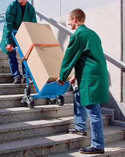 Carro Armazém Sob escada E200 - MeppCar em uso