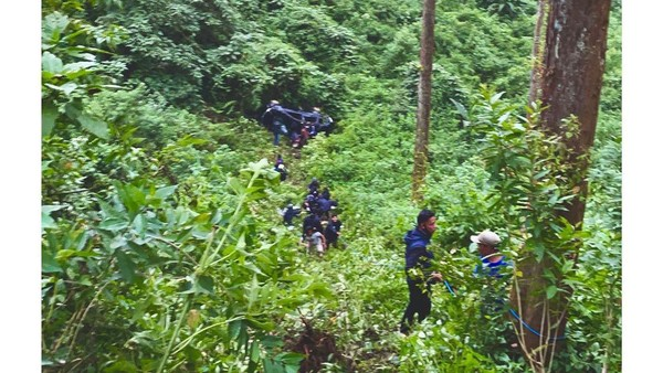 Mobil Kru Jordi Onsu Kecelakaan Masuk Jurang di Malang