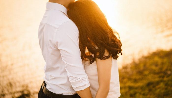 Semua Alasan yang Kamu Butuhkan untuk Tidak Takut Menyatakan Cinta (18+)