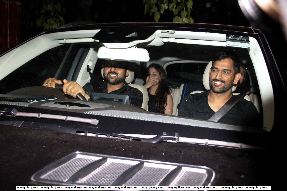 We spotted Sakshi and Mahendra Singh Dhoni outside Salman Khans house for a dinner party with the superstar