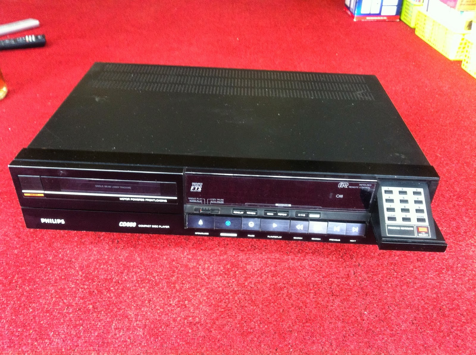 Mặt trước đầu CD Philips - CD650