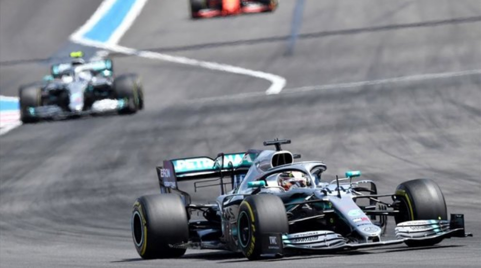 GP Francia Formula 1: Solita doppietta Mercedes, terzo Leclerc in Ferrari.